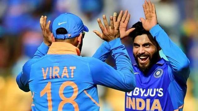 Bengaluru: India's Ravindra Jadeja (R) celebrates with skipper Virat Kohli after taking the wicket of Australia's Mitchell Starc during the third and final ODI cricket match, at Chinnaswamy Stadium in Bengaluru, Sunday, Jan. 19, 2020.(PTI)