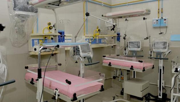 These ventilators were supplied to government hospitals across the state to meet rising demand, Principal Secretary (Health), Jayanti Ravi said/representative(Harsimar Pal Singh/Hindustan Times)