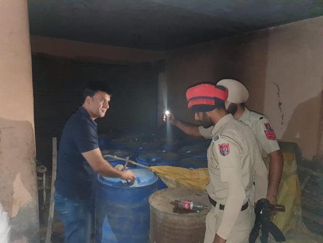 An excise officer was also called on the spot.(HT PHOTO)