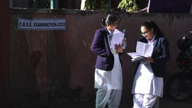 MHA issues guidelines to conduct 10th, 12th board exams in India(Sanchit Khanna/HT PHOTO)