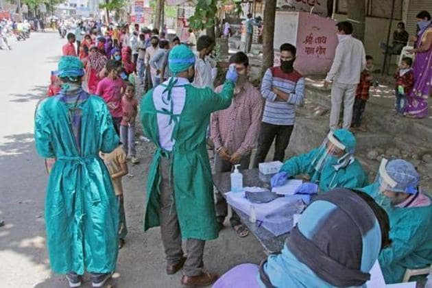 The number of coronavirus cases in Pune city, Pimpri Chinchwad and rural areas is 3,932, 234 and 378, respectively.(HT photo/ Ravindra Joshi)