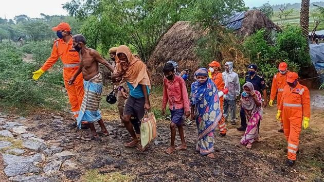 More than 5,000 migrant workers had returned to the Kakdwip and Canning sub-divisions of South 24-Parganas district just before Cyclone Amphan hit Bengal. (Image used for representation).(PTI PHOTO.)