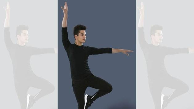 Dance isn't just an art form or an expression, but also the key to your overall well-being. Pulkit Sharma showing a dance wellness move.(Yatan Ahluwalia)