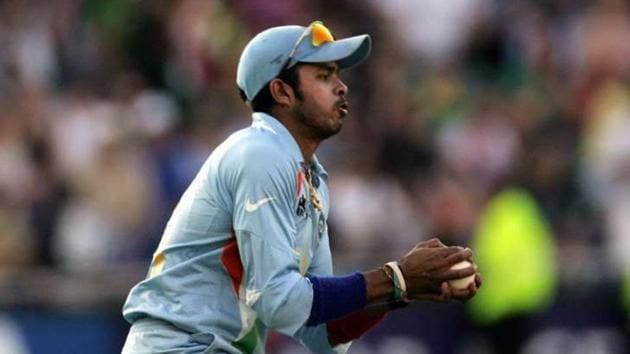 Sreesanth taking the catch in 2007 T20 World Cup final against Pakistan(Twitter)