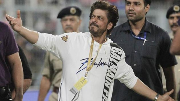 Co-owner of Kolkata Knight Riders' and Bollywood actor Shah Rukh Khan greets the spectators at the end of the VIVO IPL cricket T20 match.(AP)