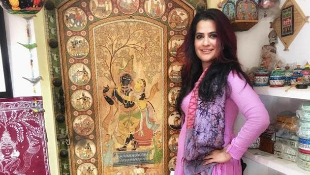 Sona Mohapatra focuses the spotlight on the folk art of Odisha and makes an appeal to help folk artists affected by cyclone Amphan and coronavirus crises.