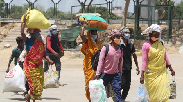 According to the official data, 50.81 million people have sought jobs under MGNREGS since the financial year started on April 1; until May 27, 28.80 million received work, generating 315 million person days of employment.(Yogendra Kumar/HT PHOTO)