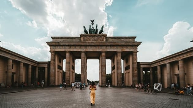 Government aid packages have kept many businesses afloat, but mass unemployment in the tourism sector is likely once those funds run dry.(Unsplash)