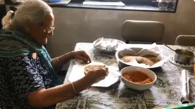 The image shows the 99-year-old woman.(Twitter/@zfebrahim)