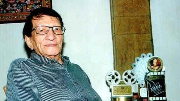 Yogesh penned songs in films directed by Hrishikesh Mukherjee and Basu Chatterjee.(Twitter)