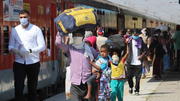 More than 8 lakh people in Ludhiana had registered for travelling back to their home states and to date, around 3 lakh people have been sent home.(HT FILE)