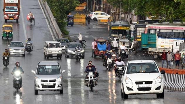 Uttar Pradesh and Haryana allowed inter-state transport except from Delhi, which has a high number of Covid-19 cases.(SONU MEHTA/HT PHOTO.)