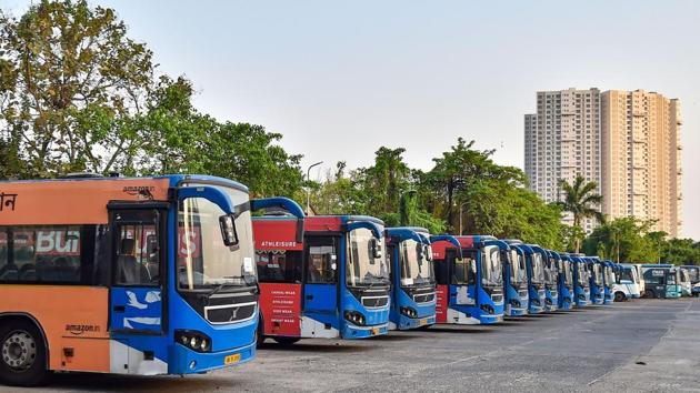 The West Bengal government, in an order issued on Saturday, allowed intra-state (inter-district) movement of government and private buses from June 1, with passengers not more than the actual seating capacity of the bus.(PTI)