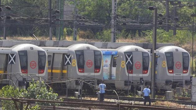 """""""In light of the guidelines issued by the government, Metro services will remain closed for commuters until further notice,"""" the Delhi Metro Rail Corporation (DMRC) tweeted.(Vipin Kumar/HT Photo)"""