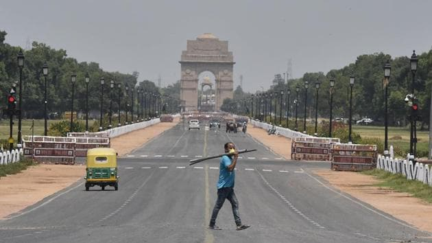 A view of an empty stretch of the Rajpath during the fourth phase of the Covid-19 lockdown, in New Delhi on Saturday.(Sanjeev Verma/HT Photo)