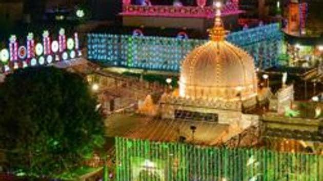 A view of an illuminated dargah of Moinuddin Chishti in Ajmer.(PTI)