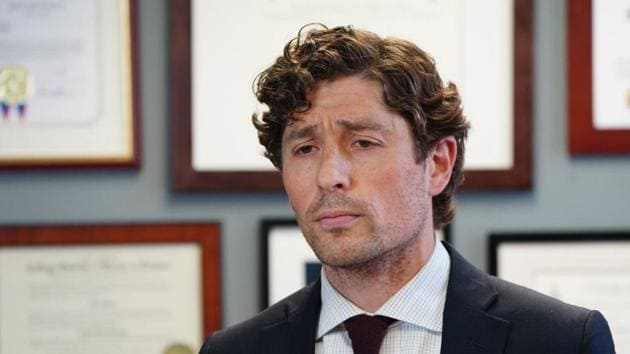Minneapolis Mayor Jacob Frey calls on Hennepin County attorney Mike Freeman to charge the arresting officer in the death of George Floyd as he speaks during a news conference Wednesday, May 27, 2020 at City Hall in Minneapolis.(AP)