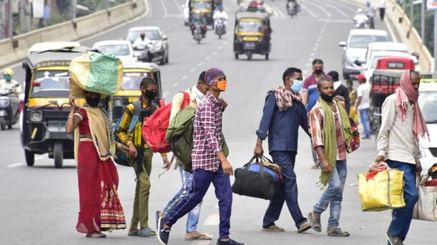 The report contributes fatigue among bus and truck drivers, hired to transport migrants, combined with over speeding and poor engineering of roads as the top reason for deaths. (Photo by Sameer Sehgal/Hindustan Times)
