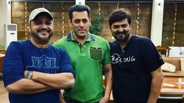 Salman Khan poses with musician duo Sajid-Wajid.