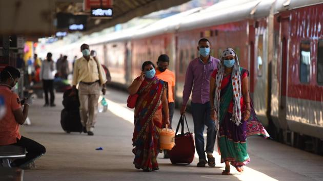 Indian Railways began running Shramik Special trains from May 1 to ferry back home migrant labourers stranded in various parts of the country due to the nationwide lockdown in the wake of the Covid-19 pandemic.(Raj K Raj/HT PHOTO)