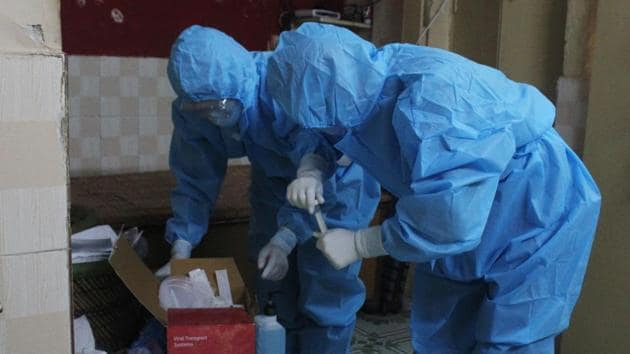 The Rajasthan government maintains that the procurement of PPE kits are in line with the Centre's guidelines.(Representative image/HT PHOTO)