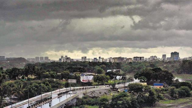 As cyclone Nisarga makes landfall, clouds cover Pune city.(Pratham Gokhale/HT Photo)