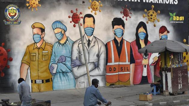 The number of Covid-19 cases in Delhi have been rising rapidly. The AAP government has decided to reserve beds in Delhi government hospitals only for residents of the city.(Sanjeev Verma/HT File Photo)