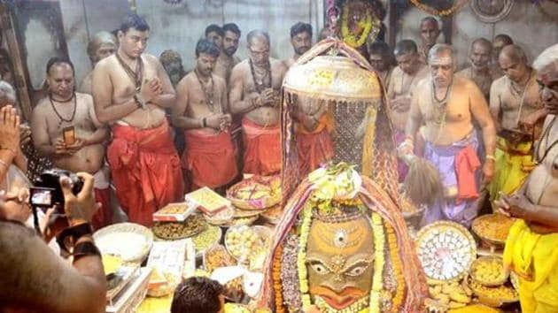 The famous Mahakal Temple and four other shrines in Ujjain city, another Covid-19 hotspot in the state, will see entry of devotees on Monday after closure of these shrines for more than two months now.(HT PHOTO.)