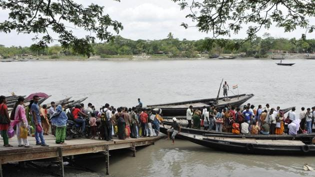 The local fishermen will be involved as Cyclone Amphan has also affected their livelihood. A threshold population will be allowed to stay on the Sagar Island.(HT PHOTO.)
