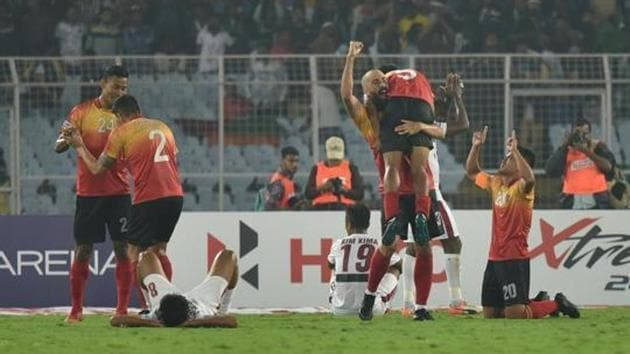 East Bengal celebrates 3-2 victory over Mohun Bagan at the I-League match.(Arijit Sen/HT Photo)