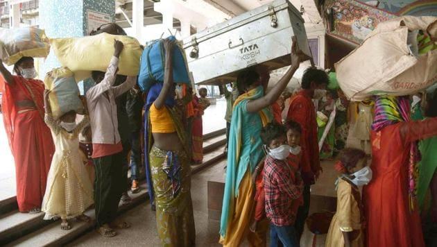 Migrants returning from Rajasthan, Patna, Bihar, May 9, 2020(Santosh Kumar)