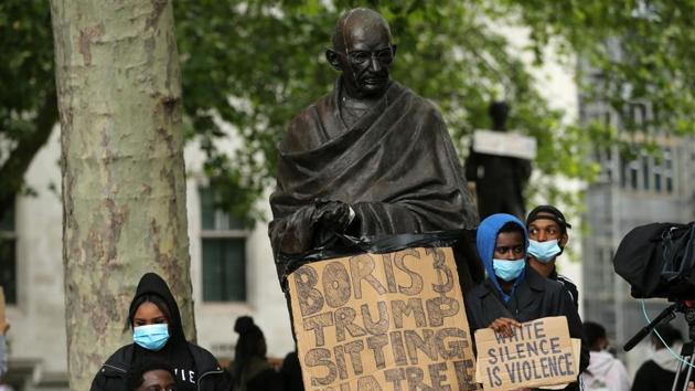 The statue, installed in 2015, is one among 12 in the square of prominent British, Commonwealth and foreign political figures, such as Abraham Lincoln and Nelson Mandela.(AFP photo)