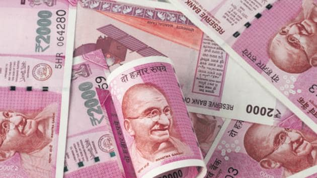 The rupee depreciated 23 paise to 75.82 against the US dollar in opening trade on Thursday(Getty Images/iStockphoto)