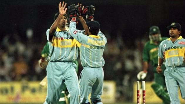 Venkatesh Prasad celebrates after dismissing Aamer Sohail during the 1996 World Cup match between India and Pakistan.(Getty Images)