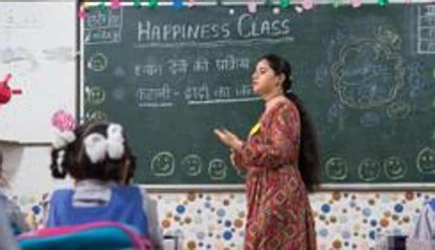 In India, 320 million children have been affected by school closures caused by the coronavirus disease (Covid-19). Online classes do not factor in the country's digital divide where 16% females have Internet access, compared to 36% males, according to the National Sample Survey 2017-18(HT Photo)