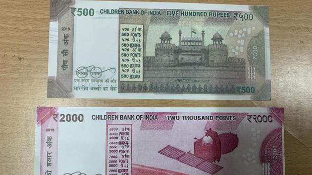 Rs 1,000 counterfeit notes were procured from markets in Mumbai and Hyderabad, according to police.(HT PHOTO)