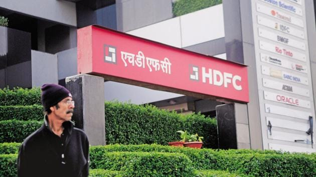 The reduced rate will benefit all existing HDFC retail home loan and non-home loan customers.(Pradeep Gaur/Mint)