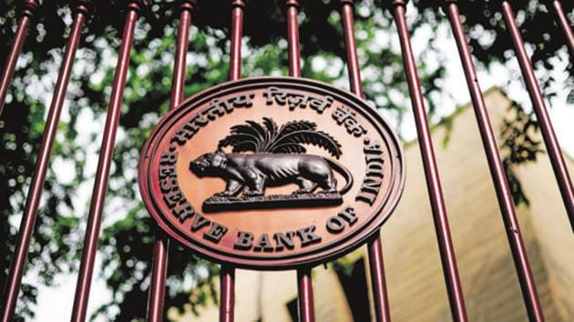 The RBI panel will examine the existing licensing guidelines and regulations on ownership and control of private sector banks.(Pradeep Gaur/Mint File Photo)