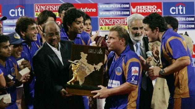 MUMBAI, INDIA - JUNE 1: The Rajasthan Royals team celebrate with the IPL trophy after their win over Chennai in the final of IPL 1 at D.Y. Patil stadium on June 1, 2008 in Mumbai, India.(Hindustan Times via Getty Images)