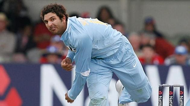 Yuvraj Singh bowling during the Oval ODI in 2007.(Getty Images)