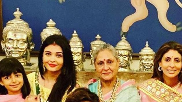 Aishwarya Rai with mother-in-law Jaya Bachchan, daughter Aaradhya and sister-in-law Sweta Bachchan.