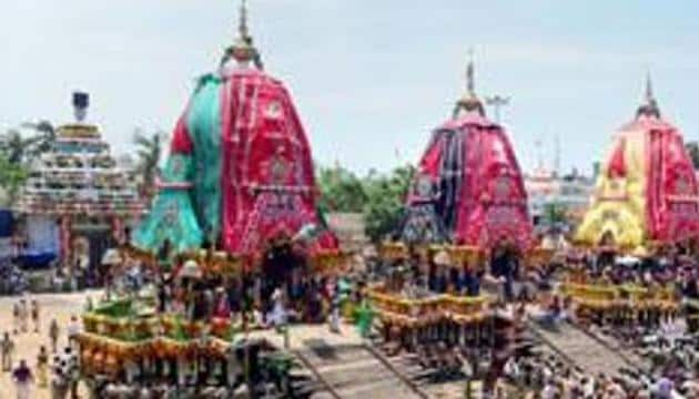 Hundreds of devotees pull the chariots during the Jagannath Rath Yatra in Puri.(PTI File Photo)