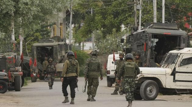Pakistan's violation of ceasefire injures 2 army personnel.(Waseem Andrabi / Hindustan Times File Photo/For Representative Purposes Only)