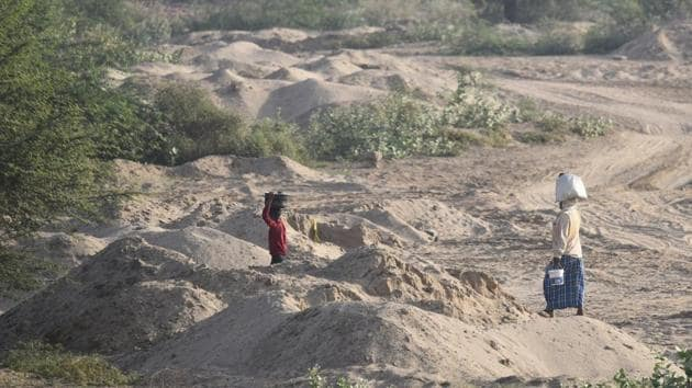 NBWL considered the five proposals for the collection of sand, sand gravel (bajri) and boulders in the private lands located 1.5 to 9 km from the boundary thrice.(Burhaan Kinu/HT file photo)