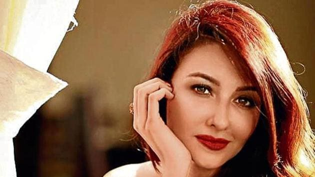 Actor Saumya Tandon, popular for starring in the show Bhabhiji Ghar Par Hain!, also says that characters calling her 'gori mem' in the show is okay with her, as 'that is how God made' her.