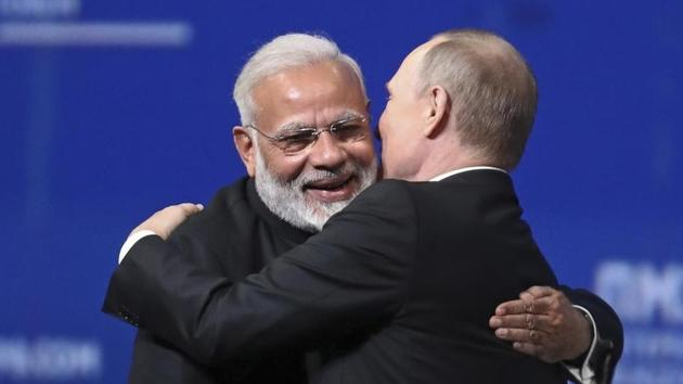 Modi was the first world leader to speak to Putin after Russian voters approved changes to the constitution that will allow Putin to hold power until 2036.(HT file photo)