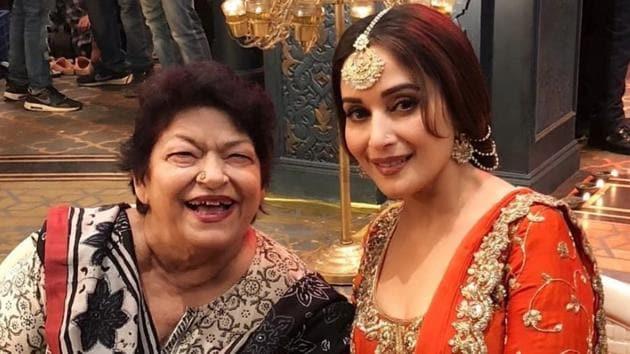 Saroj Khan with Madhuri Dixit during Kalank's shoot.