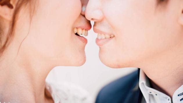 7 reasons why kissing is good for health and why we should kiss more often thumbnail