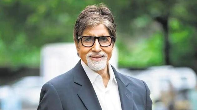 Amitabh Bachchan thanks fans as he battles Covid-19, says their love took  away the 'darkness of my loneliness' | Bollywood - Hindustan Times