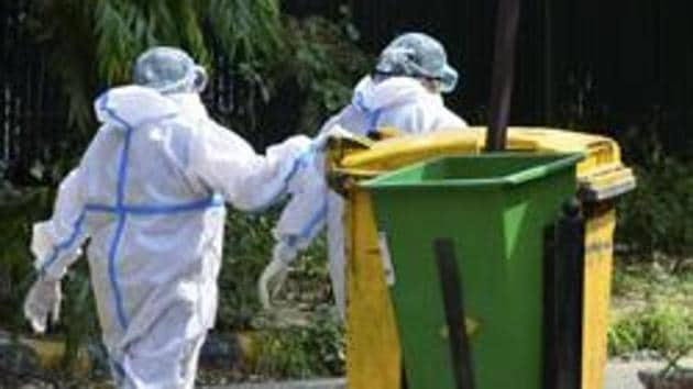 The PIL, filed through advocate Sadhana Kumar, expressed concerns about the discriminate dumping of contaminated bio-medical waste at the landfill waste amid the rapid spread of the viral infection.(PTI)